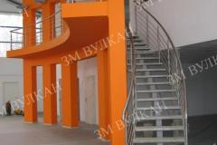 Металлическая лестница спроектирована, изготовлена и установлена заводом металлоконструкций «Вулкан»