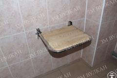 Стульчик откидной для инвалидов в ванную комнату