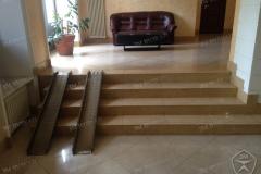 Алюминиевые аппарели в холле