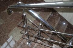 Лестничное ограждение с одинарным поручнем и ригельным заполнением. Нерж. полированная сталь. ДОРМОСТ