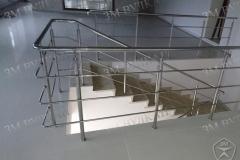 Перила на лестнице недорого. Изготовление и монтаж. Собственое производство