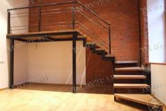 Лестница по дизайн проекту Заказчика. Каркас металлический, заполнение ступеней дерево.