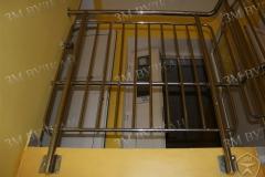 Защитное ограждение лестничной площадки с вертикальным заполнением. Установка в ДОУ