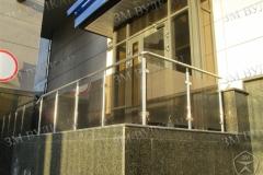 Ограждение входной площадки. Заполнение стекло триплекс. Каркас нержавеющая сталь