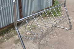 Хит продаж среди различных организаций, так как позволяет не только оборудовать место для парковки велосипедов, но и установить баннер с названием компании или любой необходимой информации.