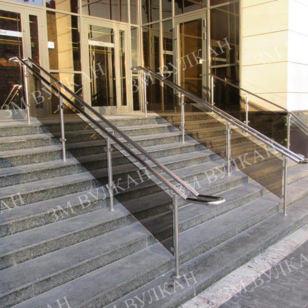 Ограждение со стеклянным заполнением