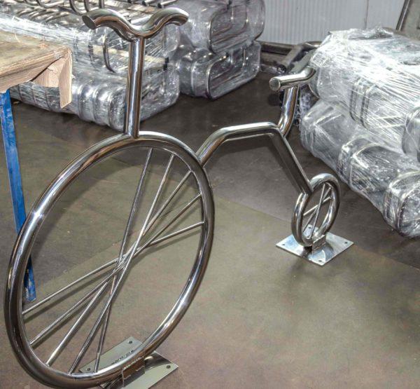 Велопарковки в виде велосипеда из нержавейки от производителя