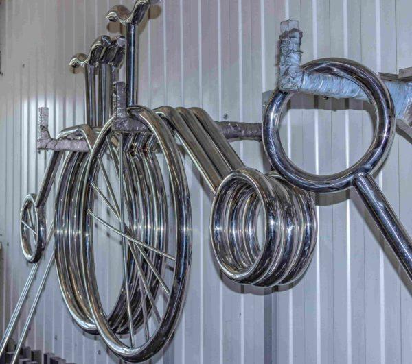Производство велопарковок в форме велосипеда