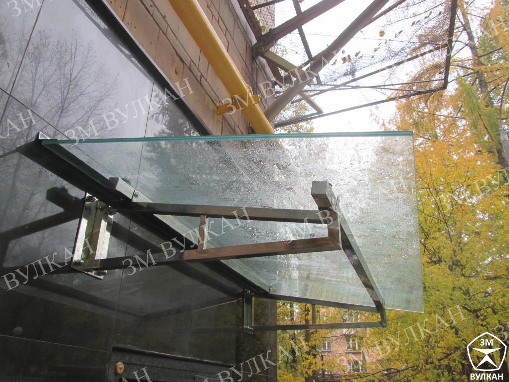 IMG 7223 - Изготовлены и установлены  стеклянные козырьки