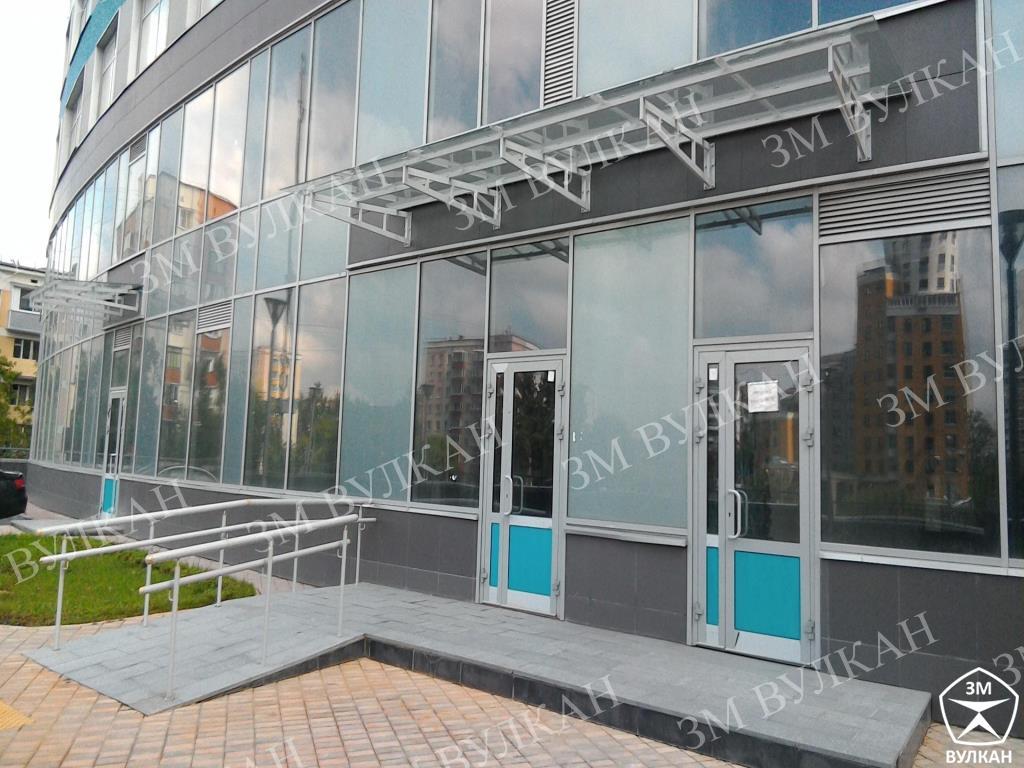 P 20170714 133849 - Нами изготовлены и установлены стеклянные козырьки. ЖК «Триколор»